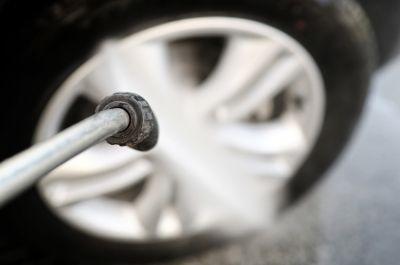 Voiture hybride : comment choisir vos pneus